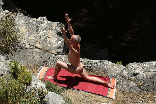 Original_naked_yoga_1_
