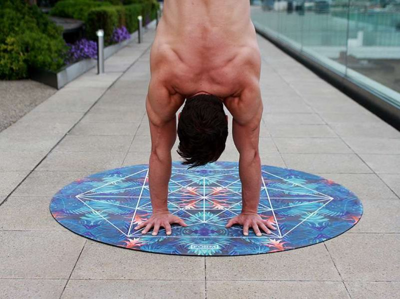 Original_naked_yoga_2_