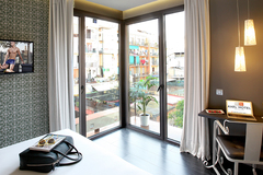 Largethumb_axel_bcn_two_4_two_hotel_barcelona_(31)