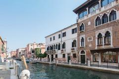 Largethumb_axel_ven_1__ah_venezia_-_main_pic