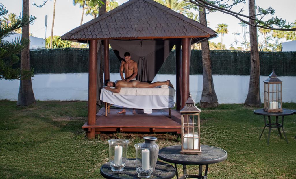 Large_axe_62_bea_axel-hotels-lounge-garden-maspalomas-2