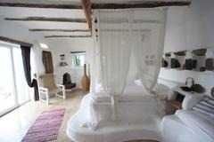 Largethumb_drak_3_bedroom_1-2