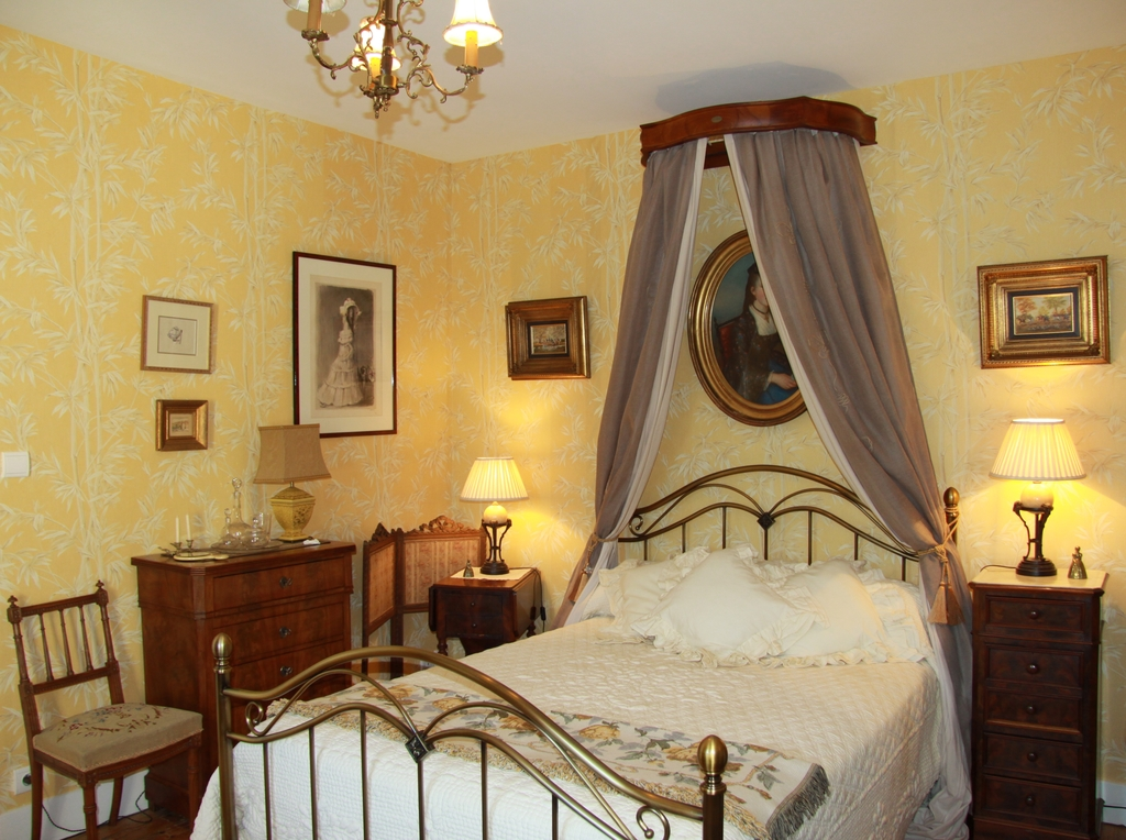 Large_manoir_montdidier_6_6_room