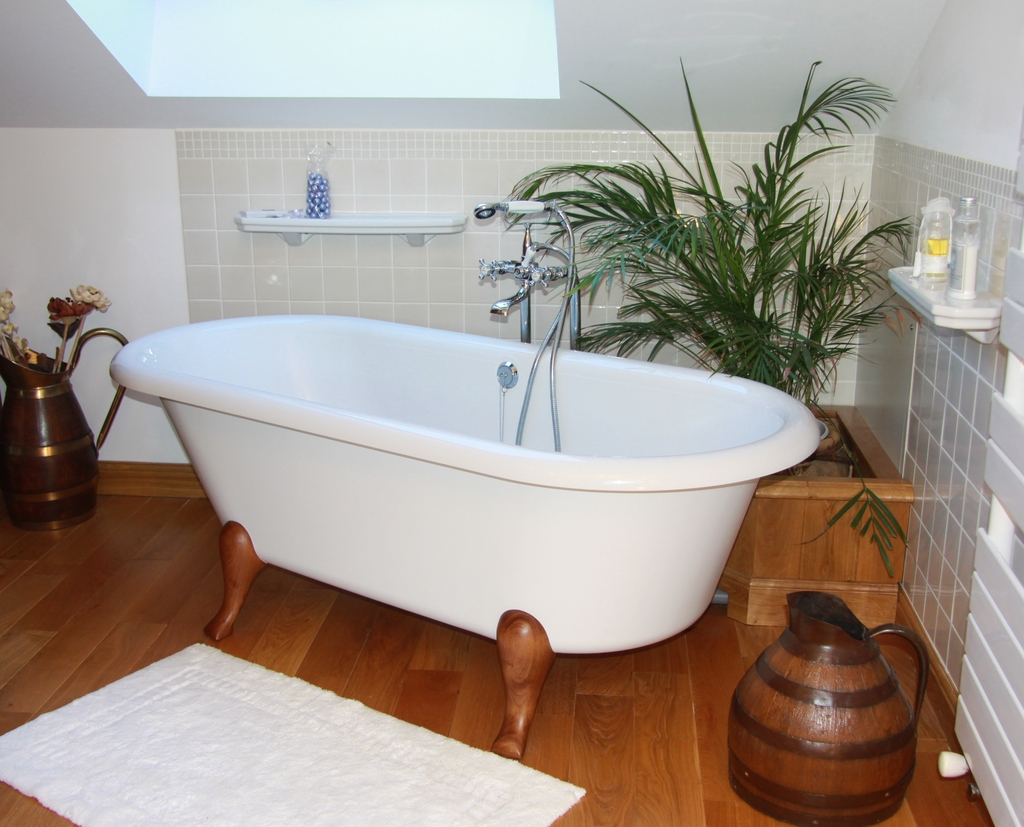 Large_manoir_montdidier_7_7_bath