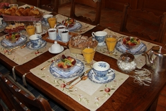 Largethumb_manoir_montdidier_9_9_breakfast