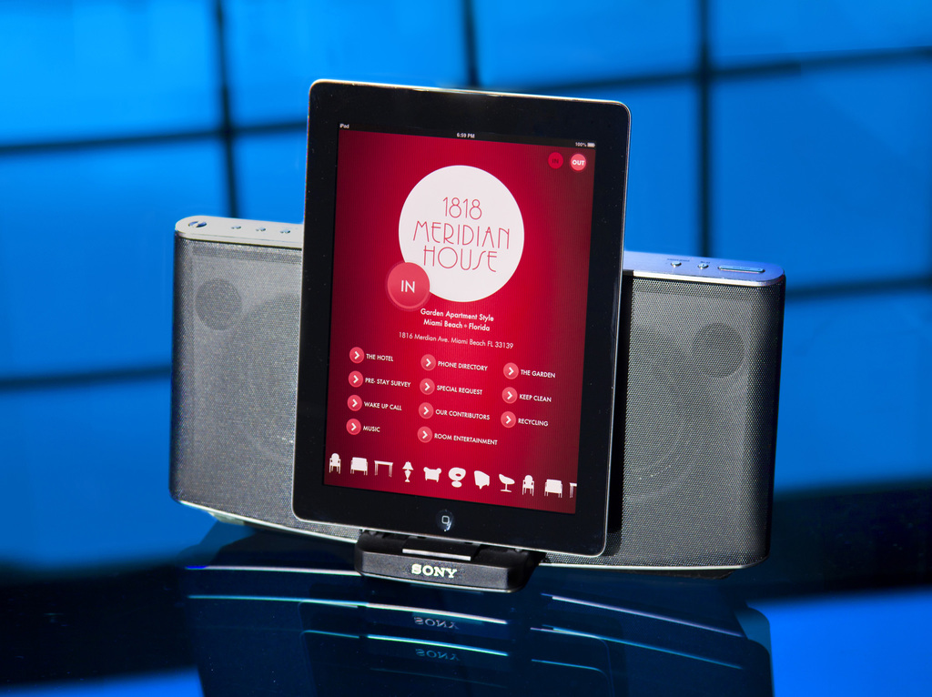 Large_1816_meridian_4_ipad_and_sound_system
