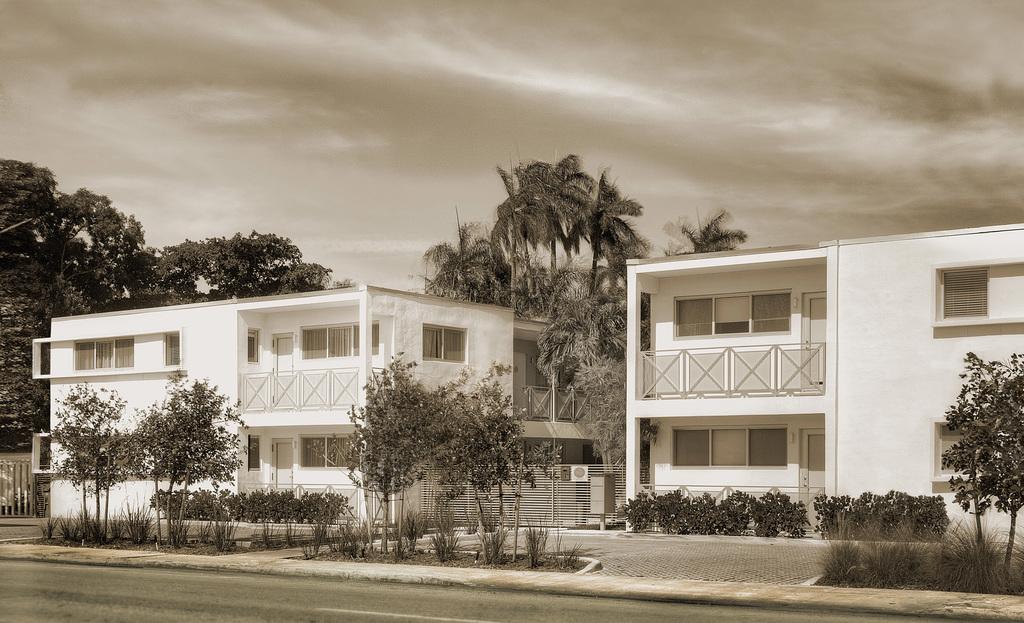 Large_1816_meridian_3_meridian_house_exterior