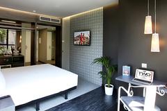Largethumb_axel_two_117_room_505