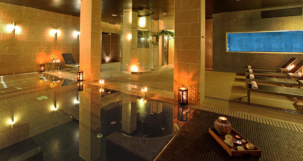 Large_axel_hotel_barcelona_(2)