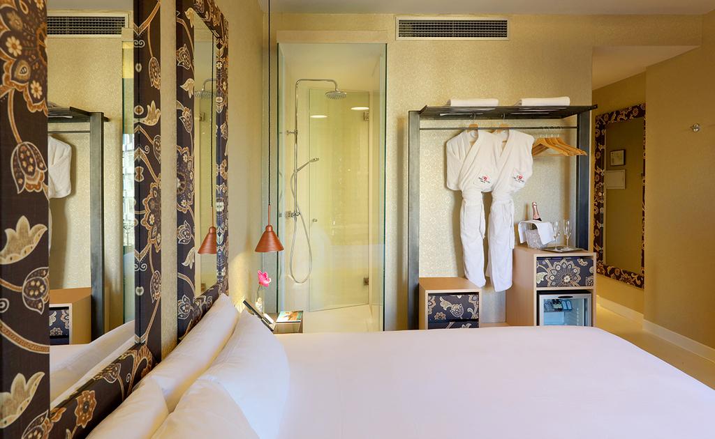 Large_axel_hotel_barcelona_(10)
