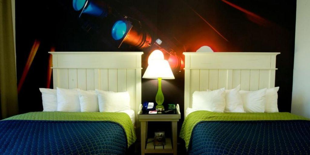 Large_indigo_atl_2_hotel-indigo-atlanta-2533097985-2x1