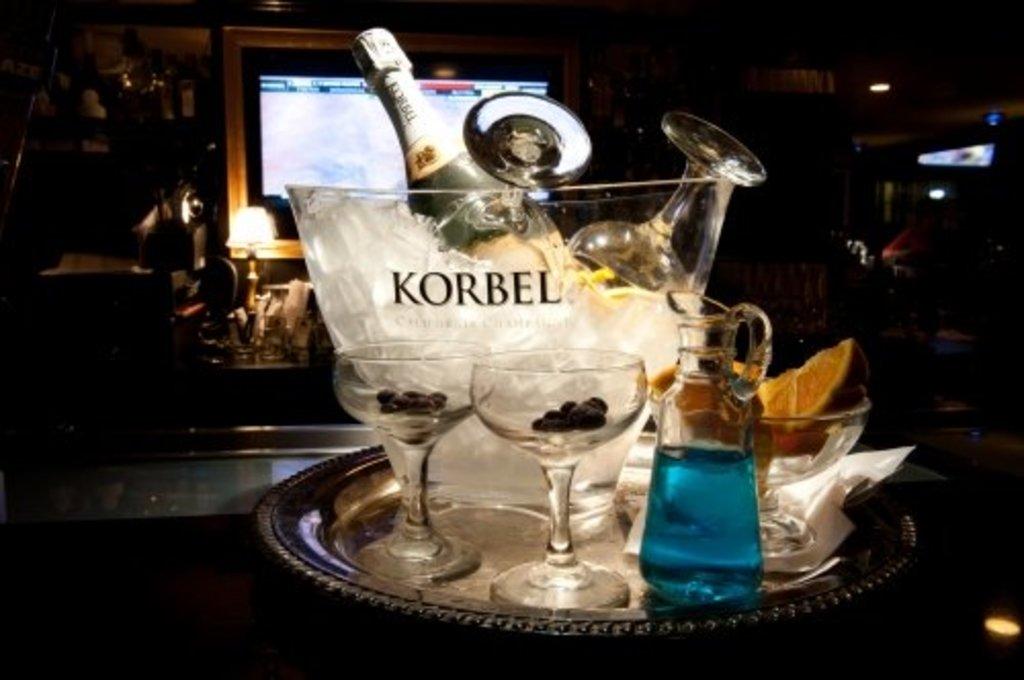 Large_bourbon_25