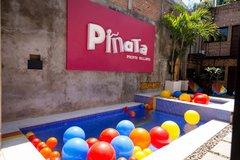 Largethumb_pinata_133
